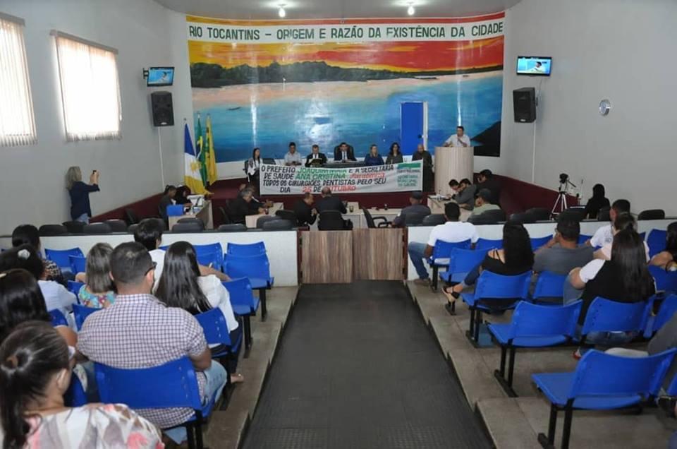Dentistas de Porto Nacional são homenageados pelo Município em sessão solene