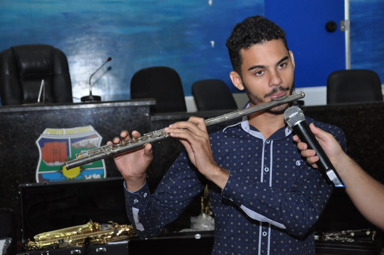 Prefeitura de Porto Nacional entrega instrumentos musicais para Banda Sinfônica 4